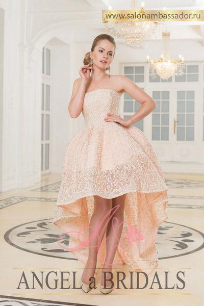Свадебное платье в розовом цвете