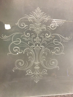 Пескоструйная обработка стекла в компании Стеклоцентр